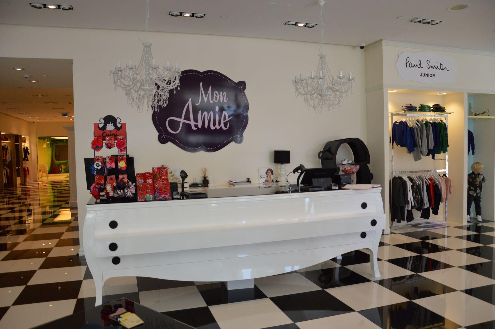 Mon Amie Fashion Store